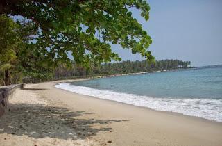 http://www.teluklove.com/2017/03/pesona-keindahan-wisata-pantai-ciputih.html