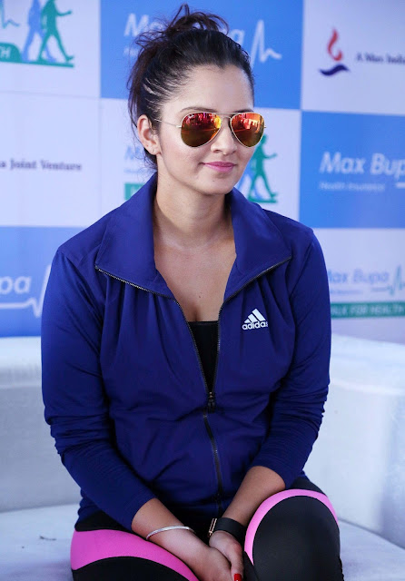 Sania Mirza Looks Super Sexy In Yoga Pants At Max Bupa Walk For Health in Delhi