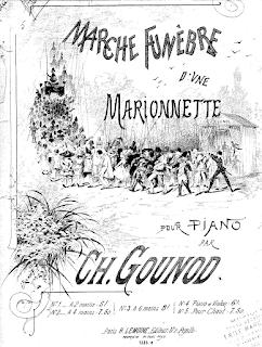 Cartel original de Marche Funebre D'une Marionette, Marcha fúnebre para una marioneta de Ch. Gounod para piano. El cartel muestra el dibujo de una larga procesión de gente que ascienda por un camino acompañando a la carroza funeraria de una marioneta
