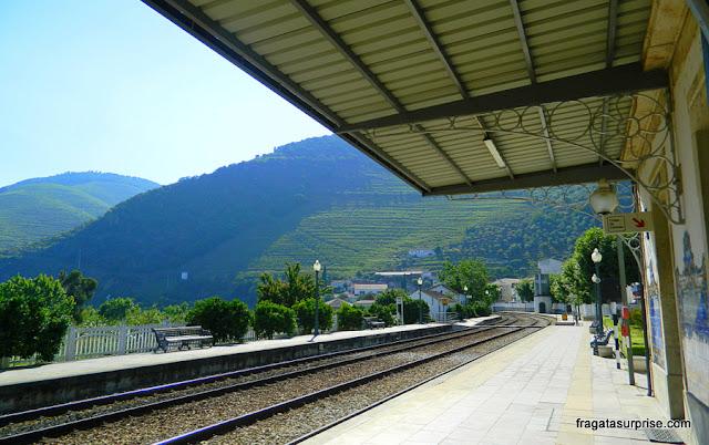 Portugal, estação de trens de Pinhão, Alto Dour