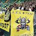 Οπαδός της ΑΕΚ χάρισε τη φανέλα του σε ΑμΕΑ φίλο της Σέλτικ (PHOTO)