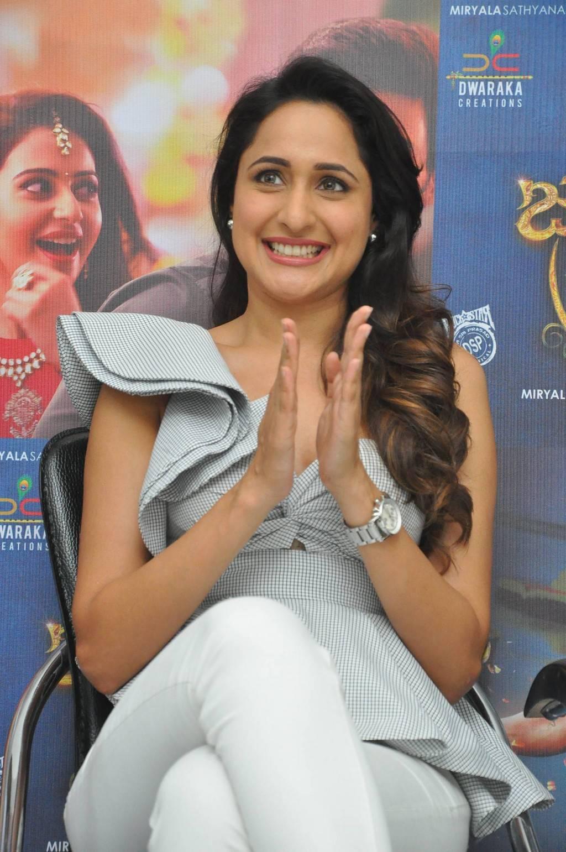 Pragya Jaiswal At Jaya Janaki Nayaka Movie Success Meet Stills