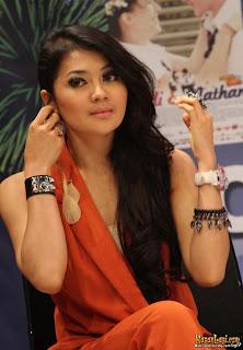 foto indah dewi pertiwi Wanita Tercantik Indonesia   Foto dan Profile