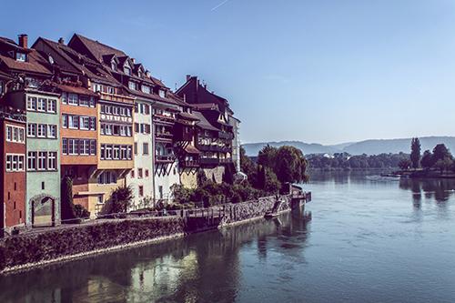 Panorama der Laufenburger Altstadt am Rhein