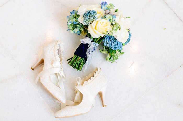 Die perfekten Schuhe unter dem Hochzeitskleid - Christina & Eduard ...