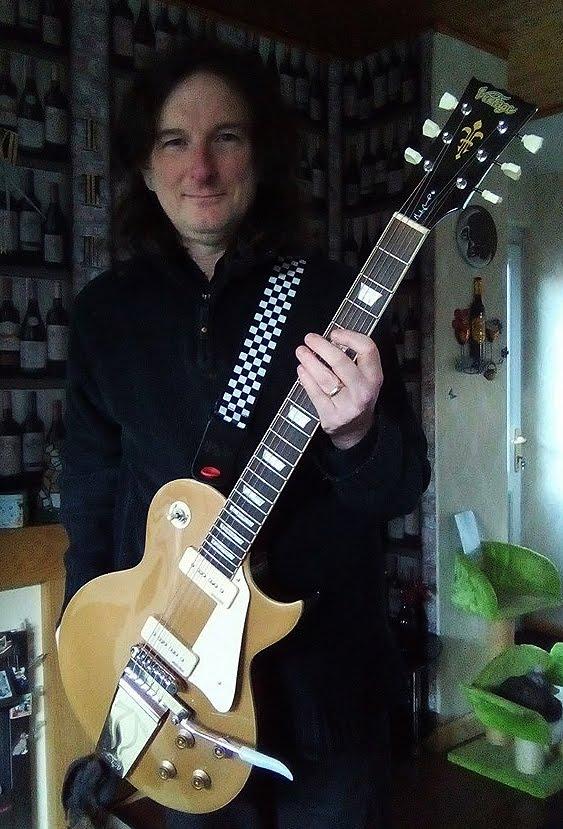 Ian Edmundson Vintage Midge Ure signature Les Paul guitar