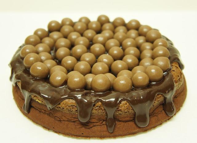 A culpa é das bolachas!: Bolo de Nutella e Chocolate Com