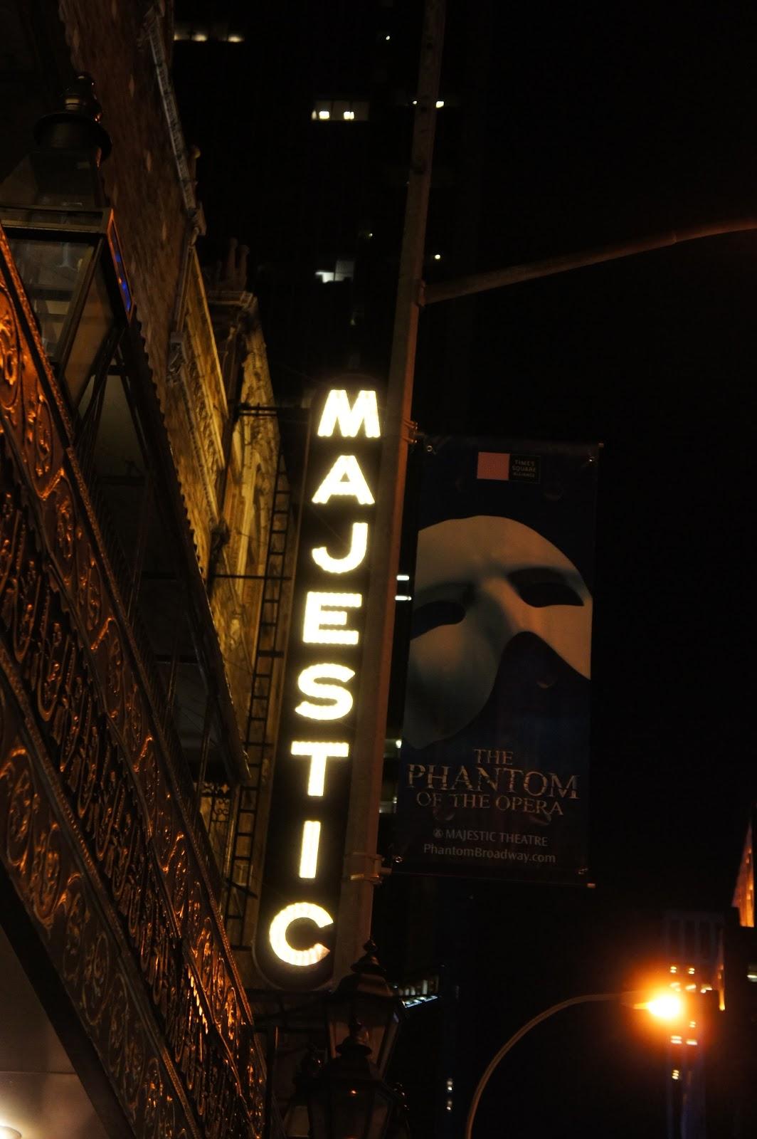不上班的日子 ... 偽貴婦的臺傭生活: [偽貴婦看秀] 歌劇魅影(The Phantom of the Opera) : 百老匯最叫好又叫座的劇碼