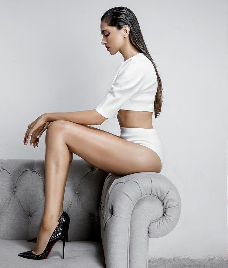 Deepika Padukone Sizzling Photoshoot