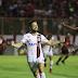 Flamengo vence e está na Libertadores, Vitória permanece na Série A em 2018