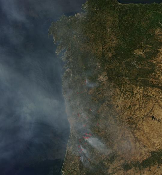 https://lance.modaps.eosdis.nasa.gov/imagery/subsets/?subset=AERONET_Autilla.2016225.aqua.250m.jpg&vectors=fires