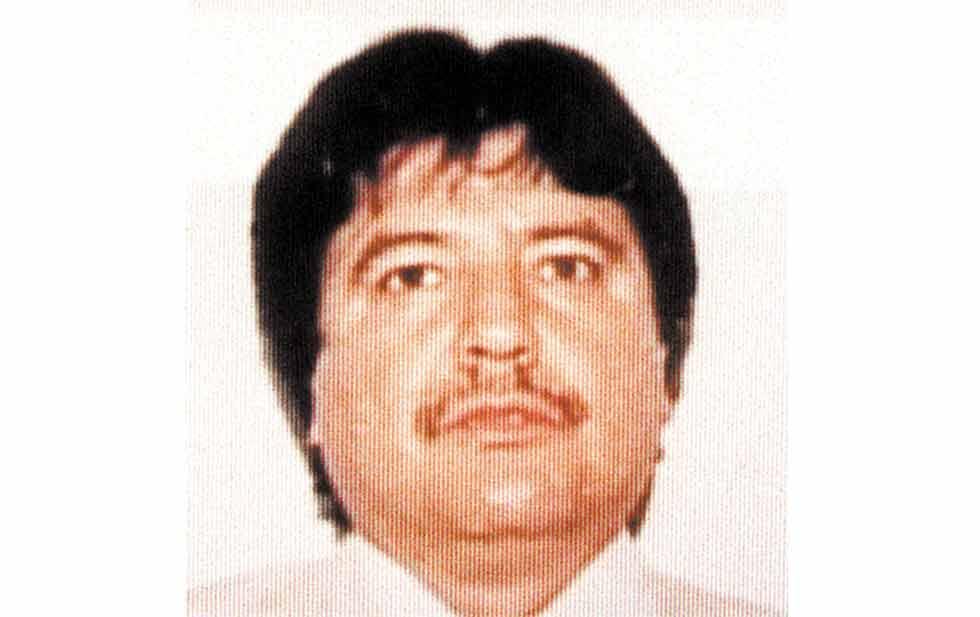 Y el cadáver de Amado Carrillo? que paso con el? Sigue vivo?