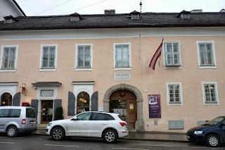 Fachada de la Residencia de Mozart.