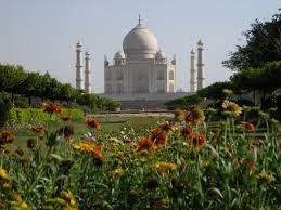 Taj Mahal, Pesona yang Tak Boleh Terlewatkan di India