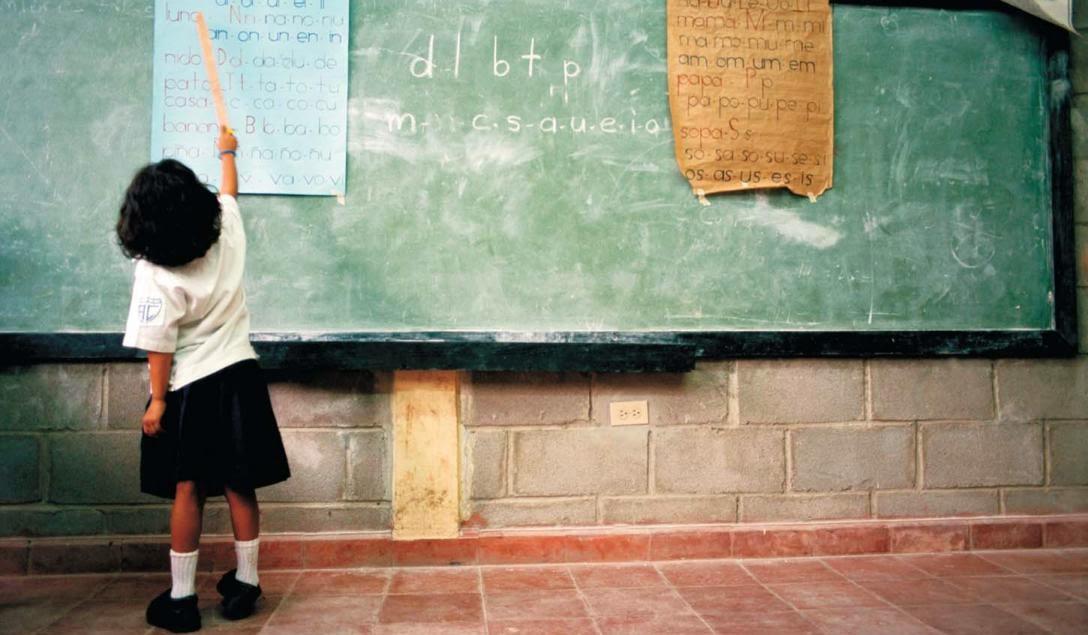 Derecho a la educacion y Derecho Constitucional