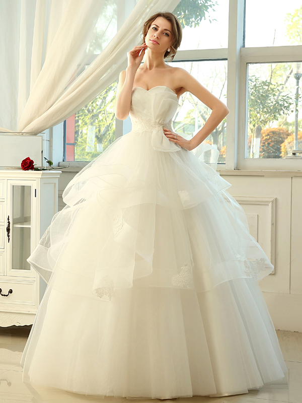 Concise Strapless Lace-Up Ball Gown Wedding Dress