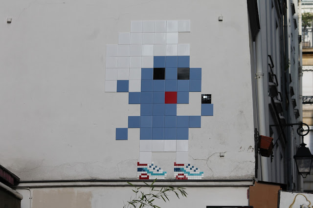 Invader once again spent a night out in Paris, France where he worked on several new invasions for the locals to enjoy.
