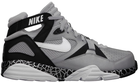 The Nike Air Trainer Max  91 returns in 2013 with this Bo Jackson inspired  colorway. d810b3889