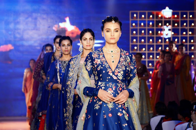Models at the Anju Modi show for Archana Astitwa Awards