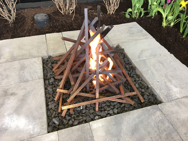 gas fire that looks like campfire