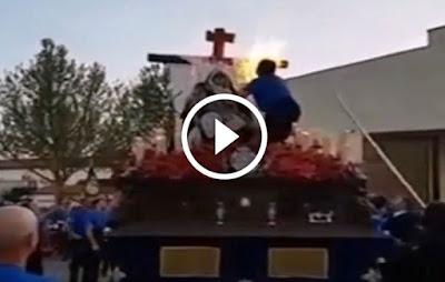 Incendio del Paso de la Virgen de los Dolores el Viernes Santo en la Semana Santa 2017 de Bolaños de Calatrava en La Mancha en la provincia de Ciudad Real
