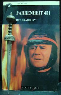 Portada del libro Fahrenheit 451, de Ray Bradbury