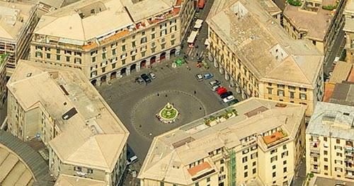 Guida di genova mangiare dormire vedere genova piazza for Quattro ristoranti genova