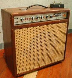 The Unique Guitar Blog: Dumble Amplifiers