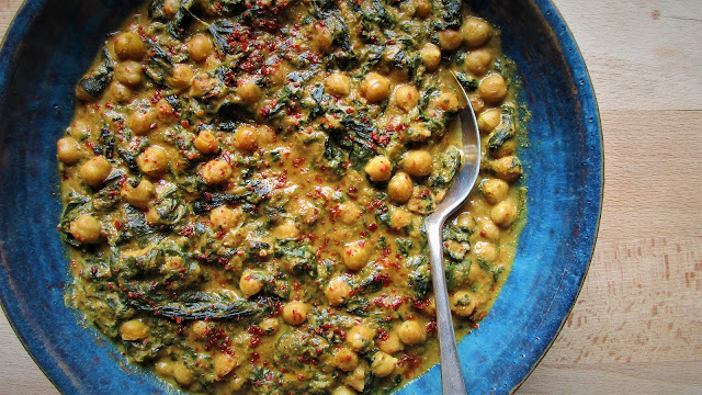 vegetarian, recipes, de tout coeur limousin, retreats, cooking, curry, Indian food, pasanda, passanda, dinner, retreats in rural france, cooking for a crowd, group recipes, rural france, retreats, creative retreats, wellbeing, creative, Limousin, nouvelle aquitaine,yoga retreats, singing retreats, meditation retreats, visit france, france retreats, french retreats,