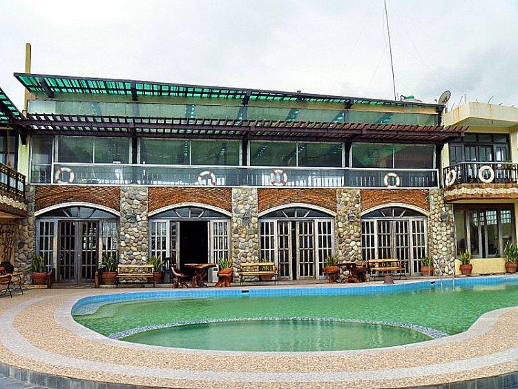 Bagasbas Beach Hotel