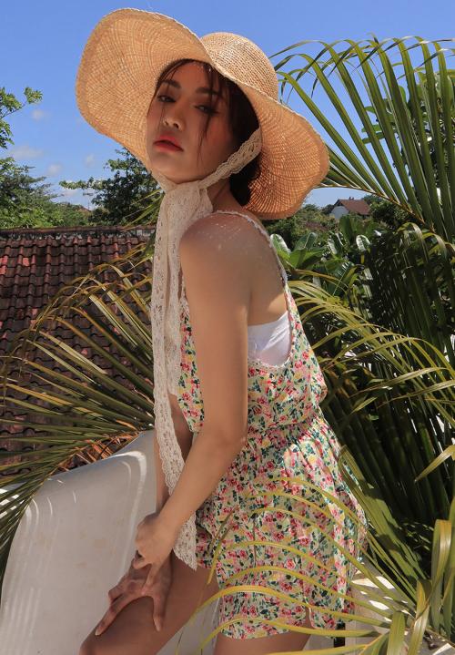 Lace Strap Floral Camisole