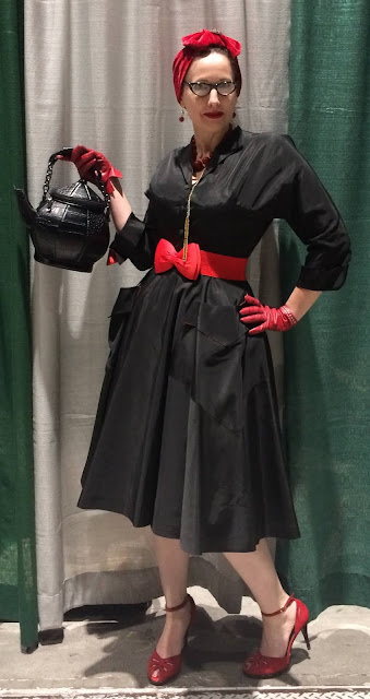 Gail Carriger Wears a Vintage Black Coat Dress with Red Details for WorldCon 2018 in San Jose