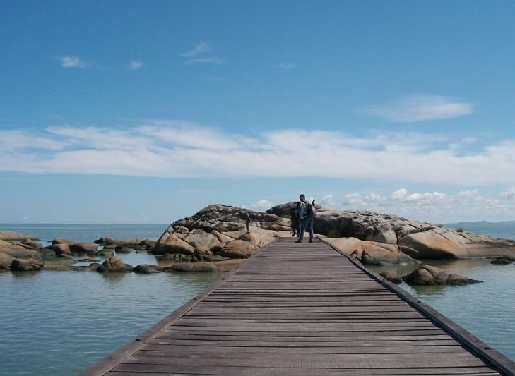 Pantai Batu Burung Singkawang dengan Pesona Yang Menakjubkan Mata