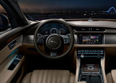 Jaguar XF Entertainment: fm/am, LCD, Internet Access, bluetooth