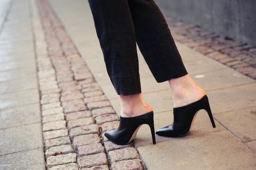 Black Mule Heels for Fall – Carolyn Bessette-Kennedy Inspired Style