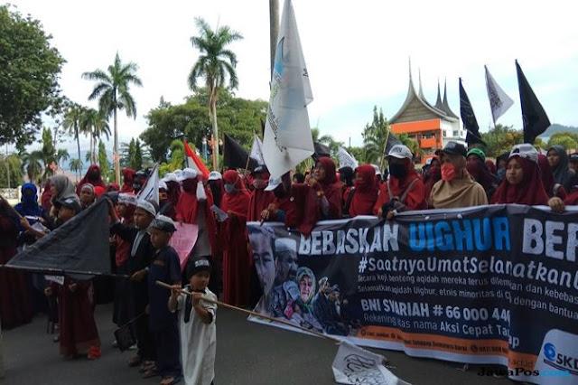 Ribuan Warga Sumbar Gelar Aksi Solidaritas untuk Muslim Uighur