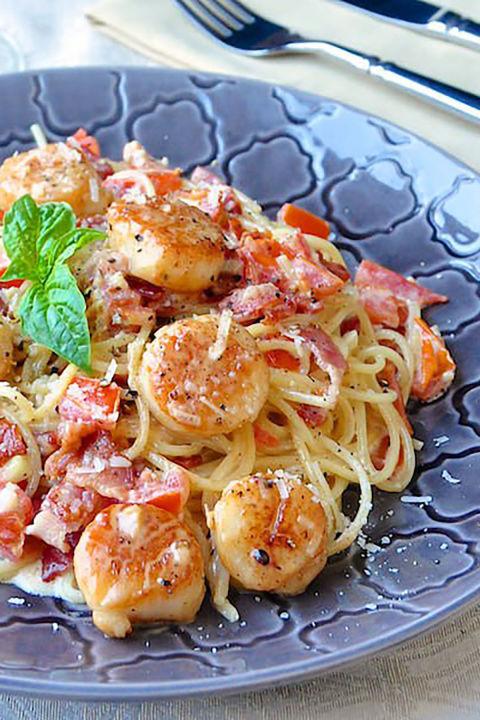Cremet Hvidløg Tungekant Spaghetti med Bacon