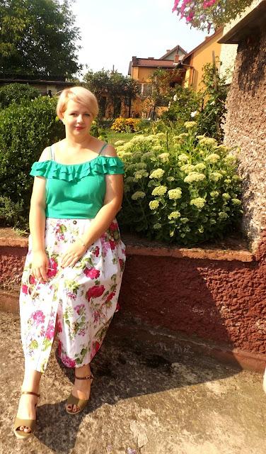 kocham róż i już! o spódnicy kwiecistej...