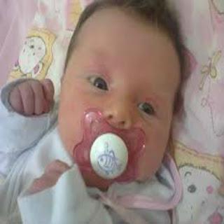 Chupeta-e-mamadeira-para-os-bebes-usar-ou-nao-usar?