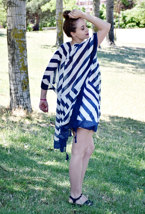 outfit-poncho-rayas-4
