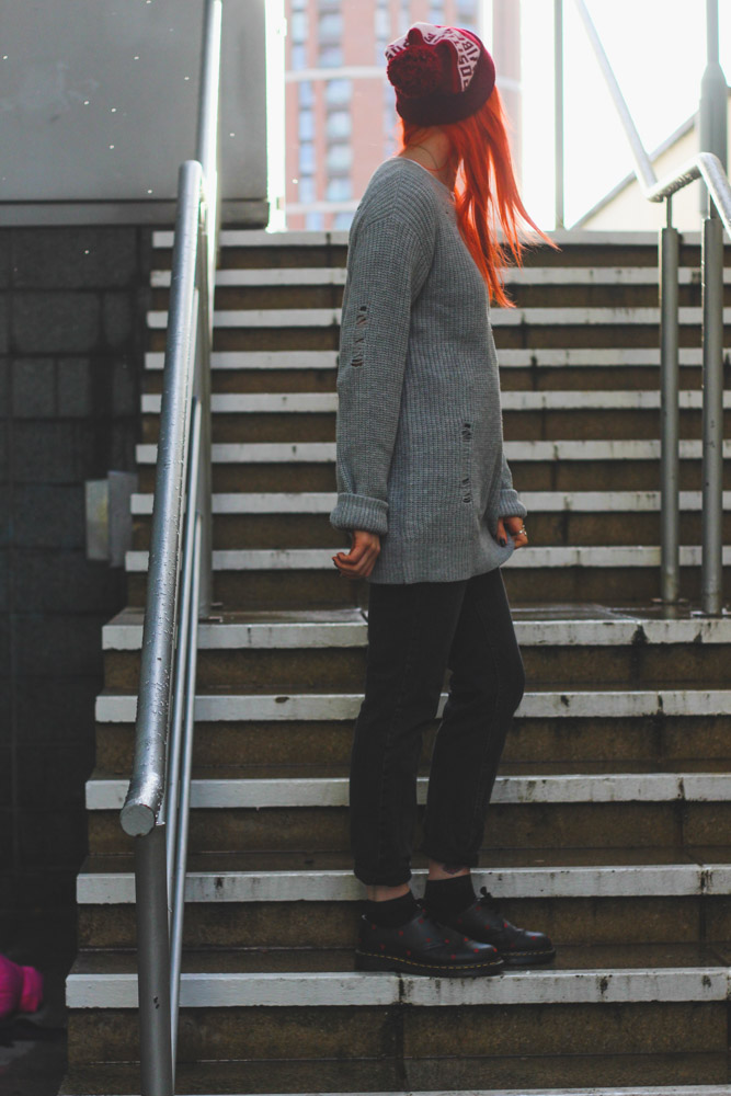 Alternative Fashion Blogger Foxxtailz in Tobi