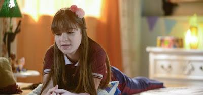 Poliana (Sophia Valverde) sofrerá com injustiça ao ser acusada de revelar segredo do amigo