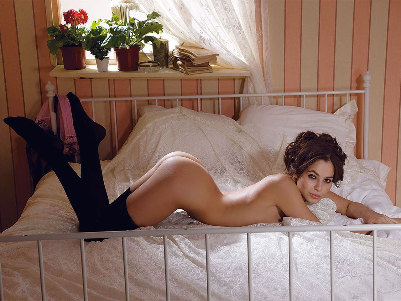 Эро фото юлии михалковой, порно видео секретарша кунилингус скрытая камера