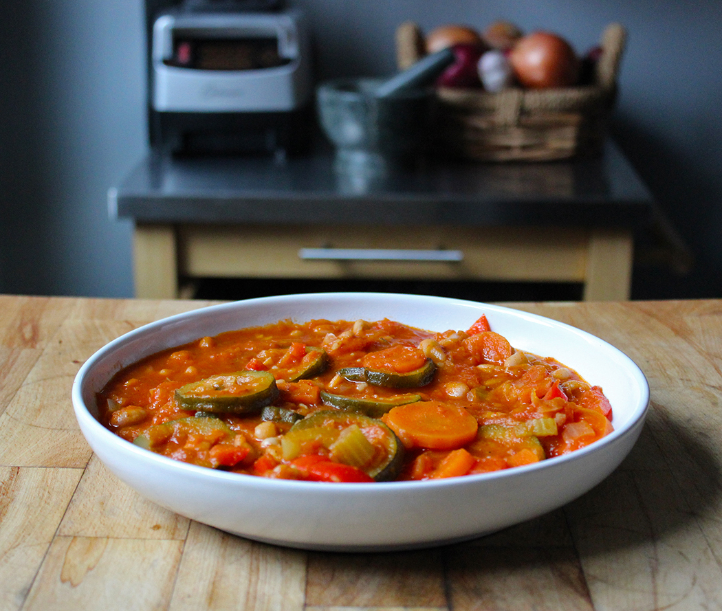 Vegetarian Stew with Peppers and Cannellini Beans
