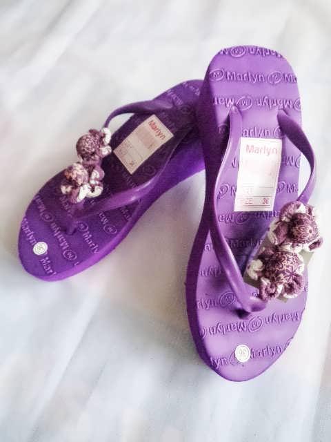 sandal spon hak tinggi marlyn bunga ungu