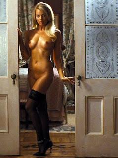Nude Margot Robbie exposing Pussy N Tits in Lingerie