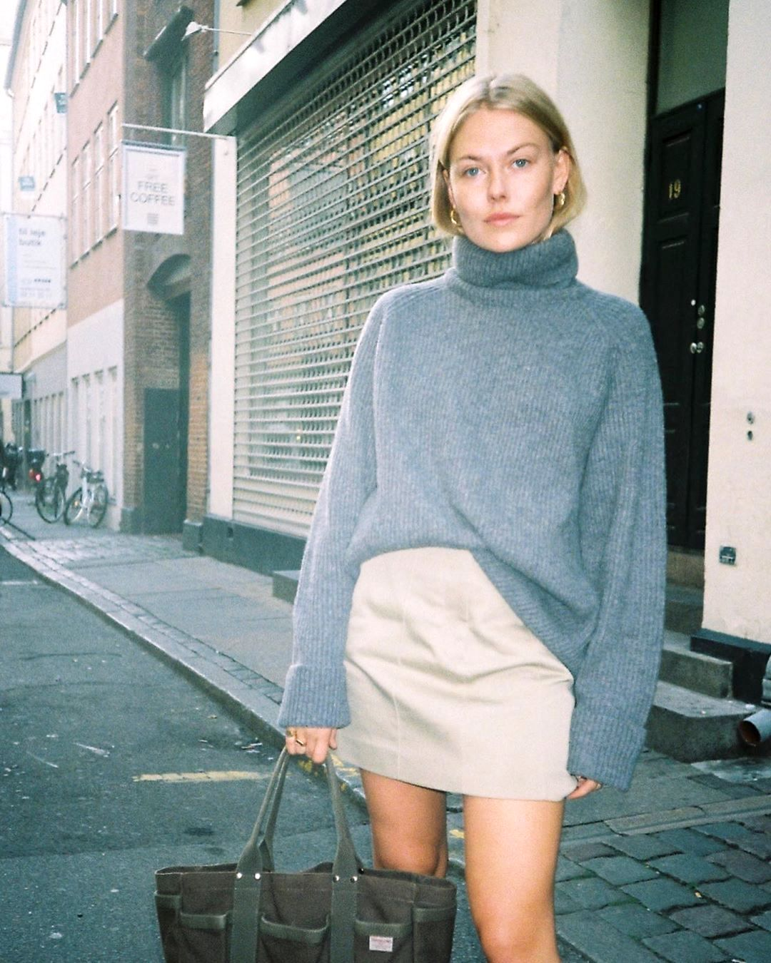 We're Loving This Turtleneck Sweater and Skirt Combo for Fall