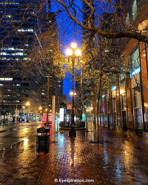 Market St. stroll in the rain - blue hour
