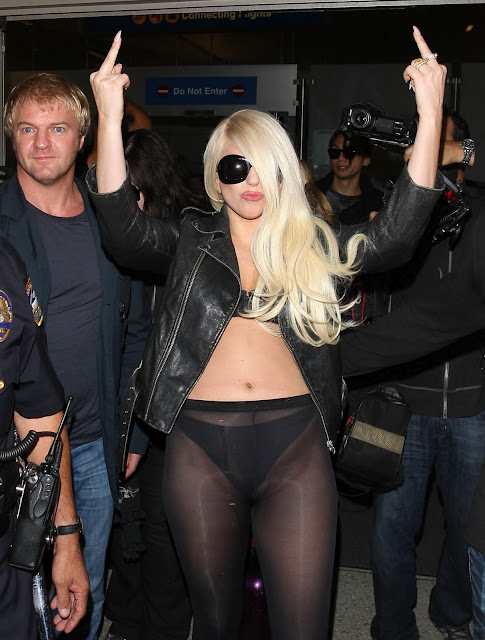 Lady Gaga Fat Pussy And Ass Without Pants In Thong And Sheer Leggings