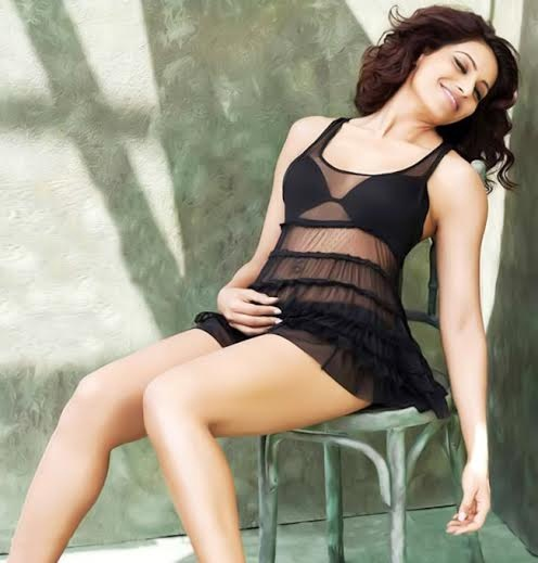 Hot Indian Actress Photo, Cool Mood Bollywood Actress Pic